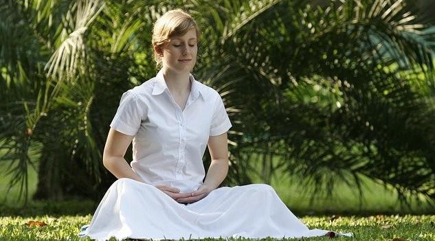 Dočasná fáze ticha jako mini meditace